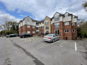 Hollyhedge Heights, Hollyhedge Road, M22